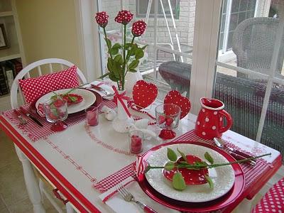 Cena san valentino 5 idee romantiche per apparecchiare la tavola a san valentino - Idee tavola san valentino ...